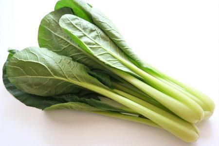 小松菜の茎に黒い斑点が!これって食べても大丈夫?